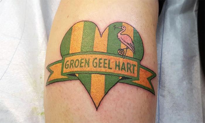 Gghtv Een Schaap Met Een Groen Geel Hart Tattoo Groen